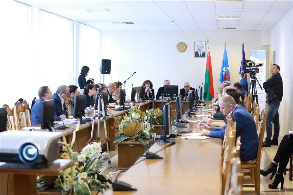 Состоялись круглый стол и заседание Научного совета по нефтехимии